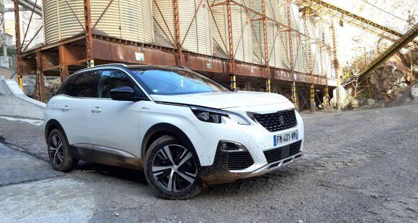 Peugeot com gama quase toda eletrificada