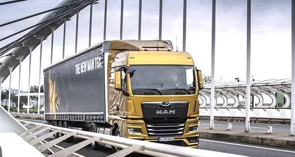 MAN lidera, Iveco supera, Scania despede 5000 e Mercedes-Benz em queda livre